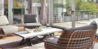 maison renovation luxe salon exceptionnel veranda parquet ligne roset agence avous