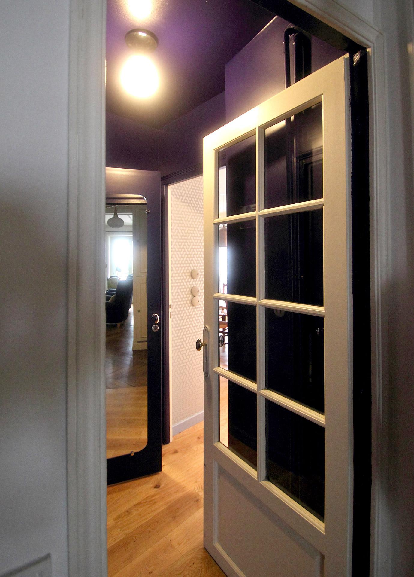 ecrin porte bleu nuit couloir agence avous