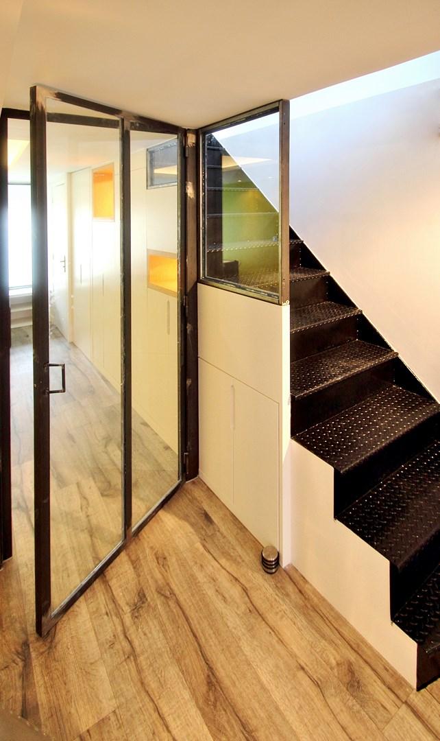 loft industriel triplex verriere escalier sur mesure agence avous