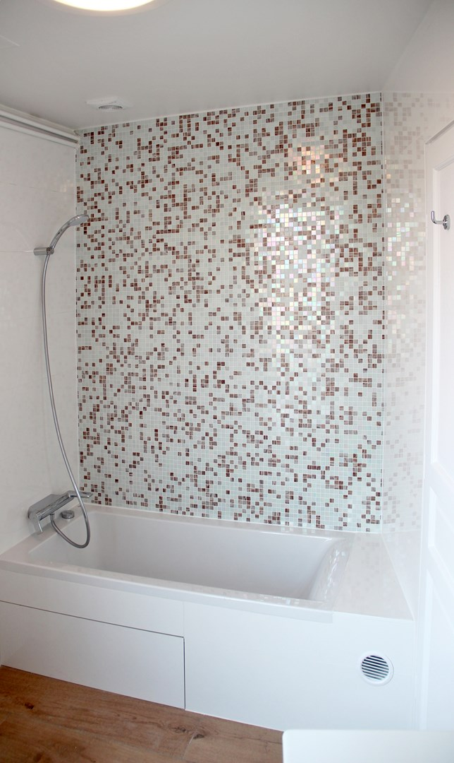 Optimisation appartement quai de jemmapes paris 10 me arrondissement - Mosaique multicolore salle de bain ...