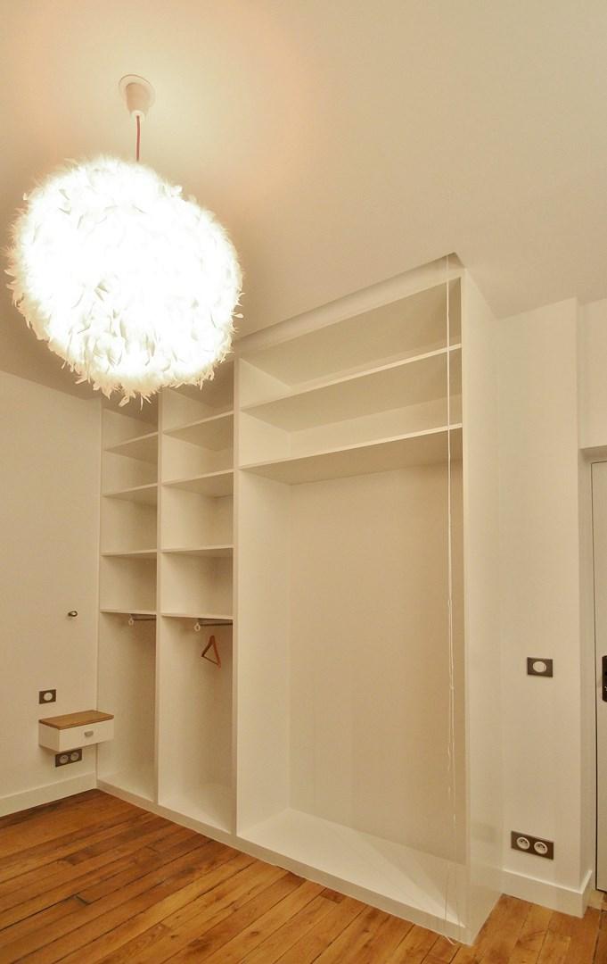 Conception chambre sans bruit sans onde appartement for Conception dressing chambre
