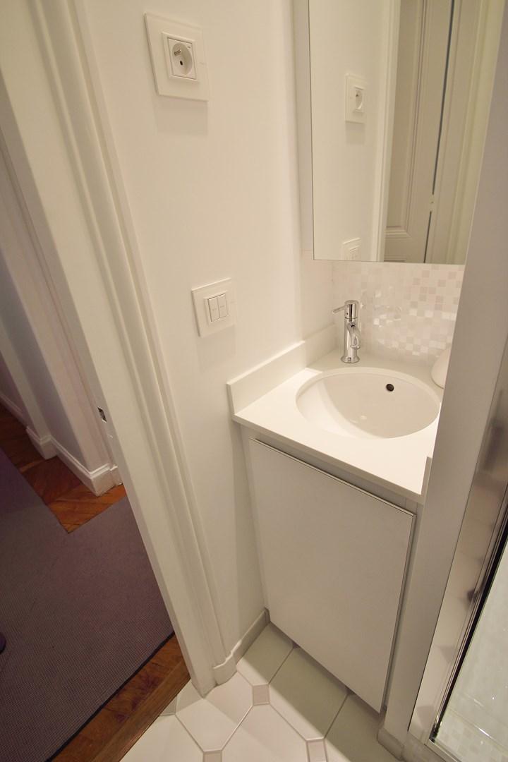 lavabo toilette invite corian agence avous