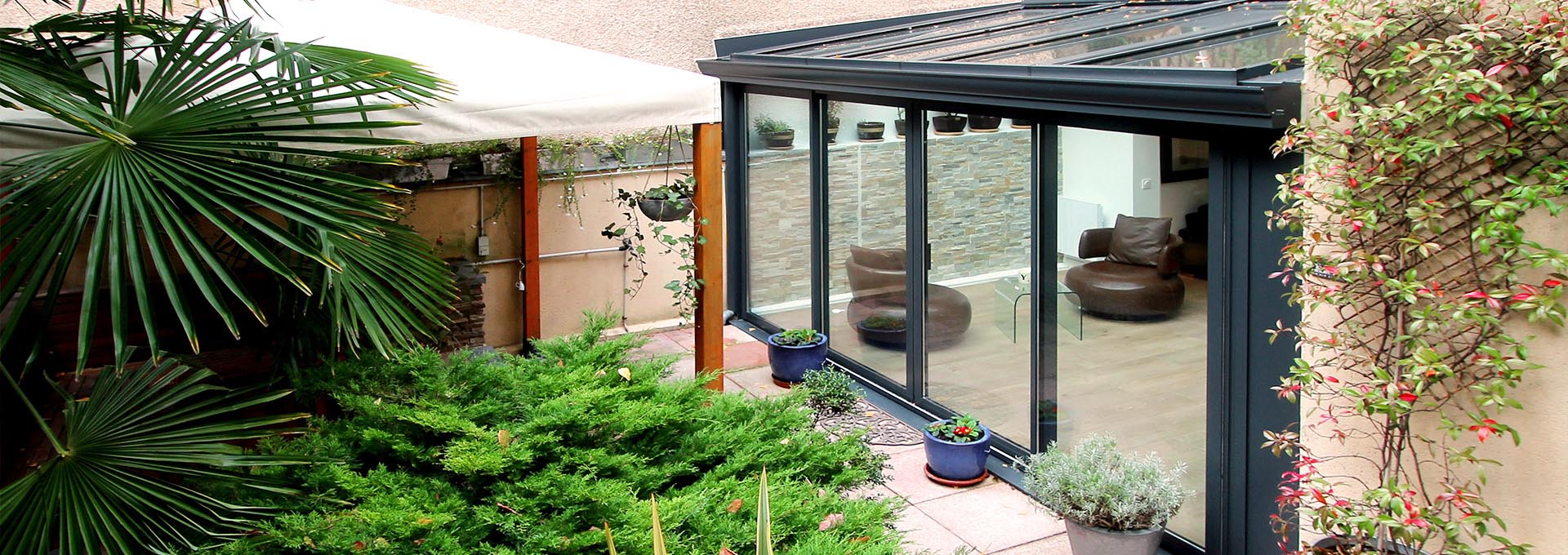 R novation v randa alu anthracite sur jardin zen 75019 paris for Veranda de jardin