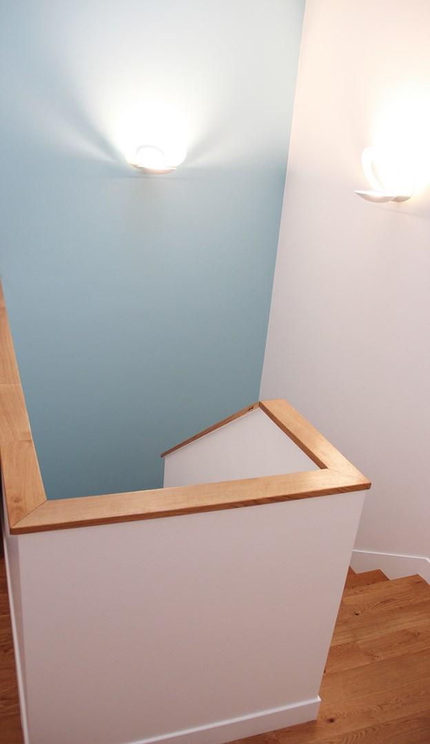maison renovation luxe palier parquet chene agence avous