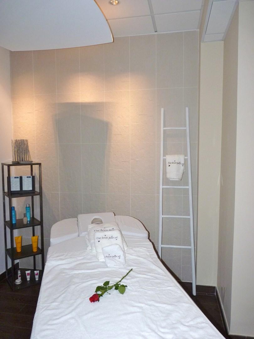 cr ation du concept architectural institut de beaut une. Black Bedroom Furniture Sets. Home Design Ideas