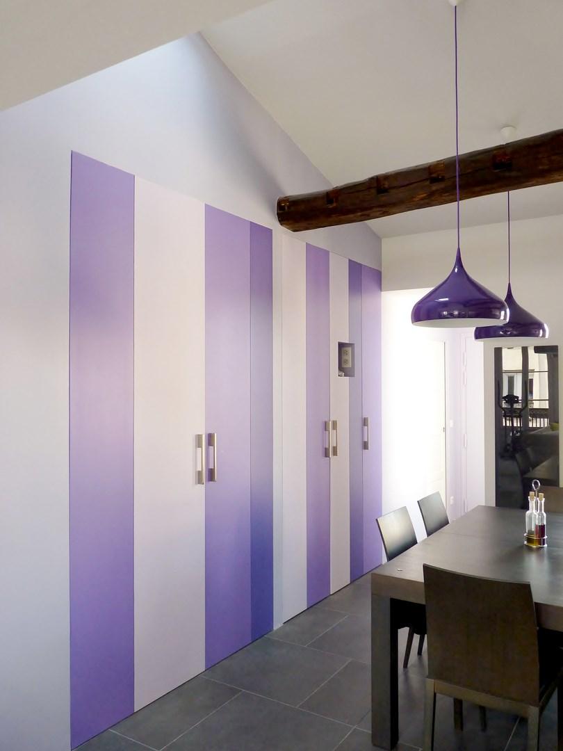 Aménagement appartement sous combles baigné de lumière paris