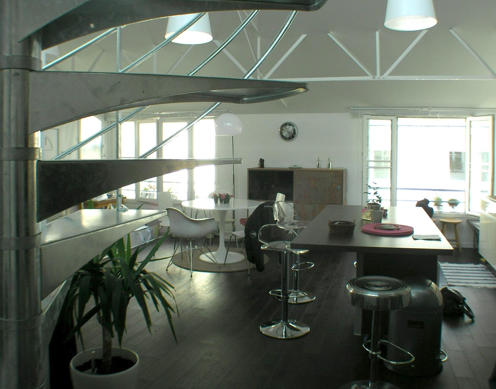 loft ancien garage industriel salon agence avous