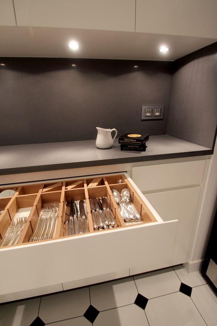 amenagement cuisine tiroir bois sur mesure agence avous