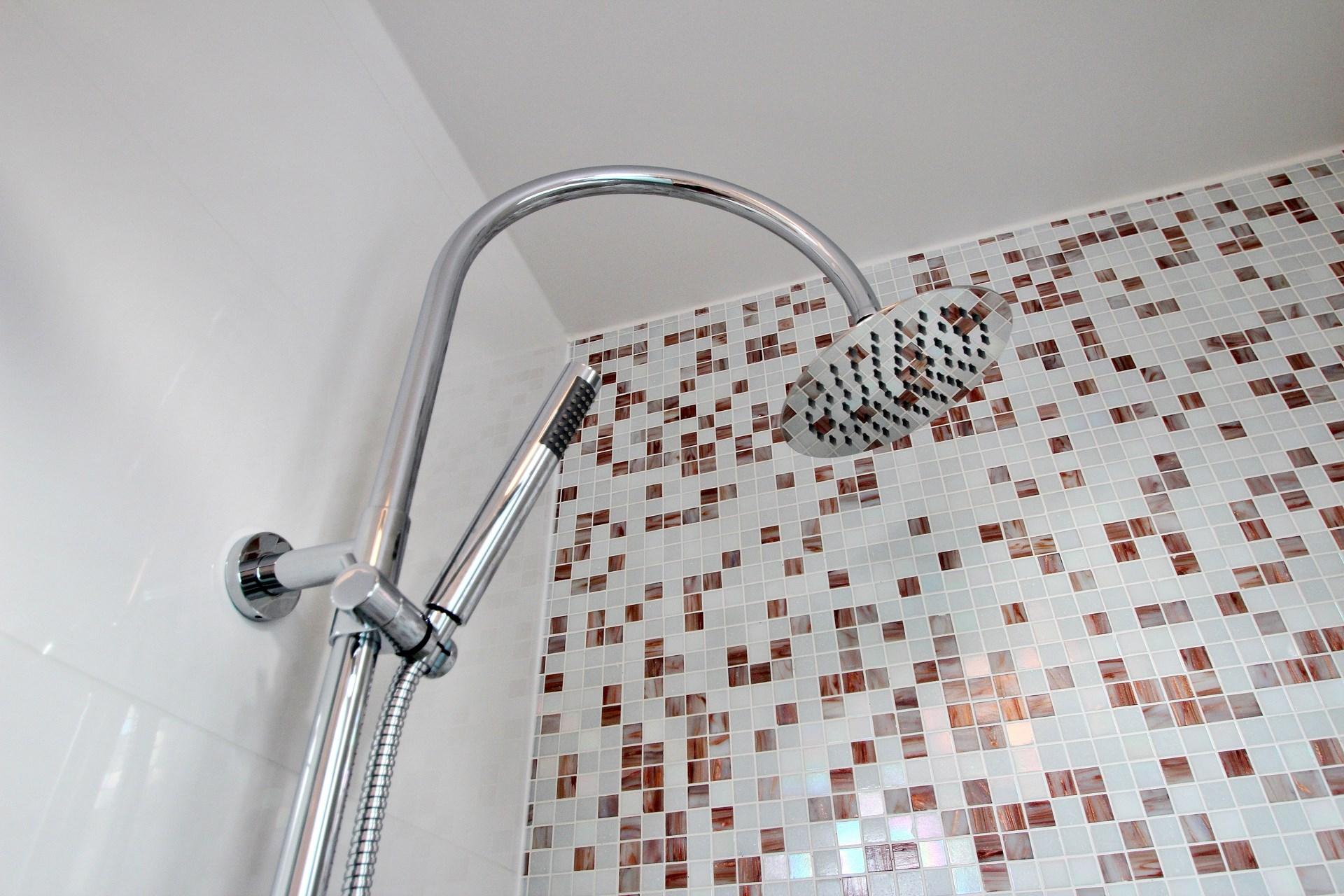 appartement familiale cabine de douche mosaique agence avous