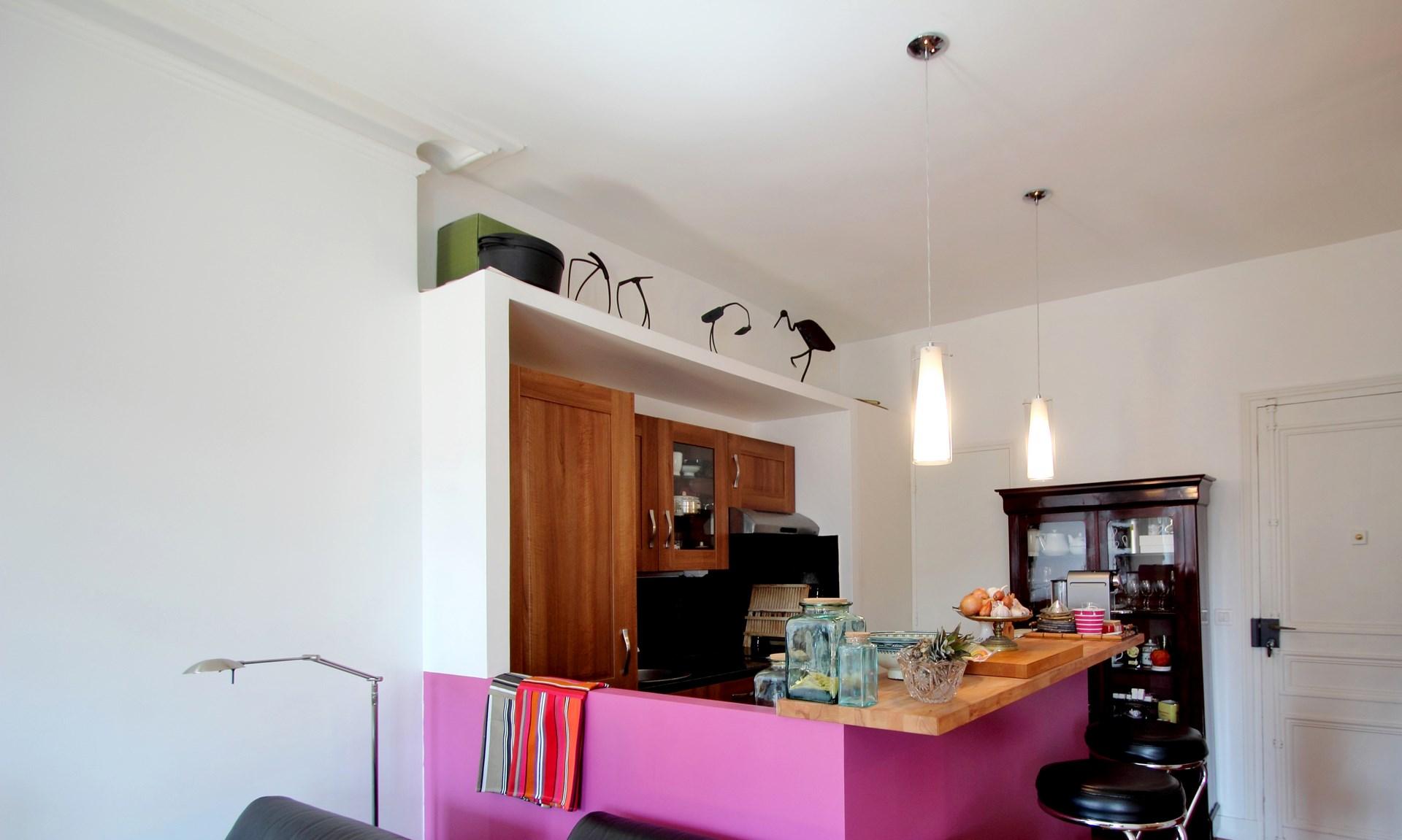 chambre au milieu du salon verriere cuisine ouvert agence avous