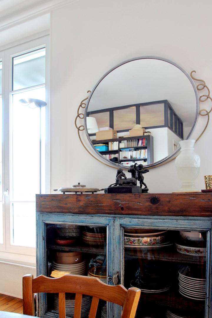 chambre au milieu du salon verriere miroir agence avous