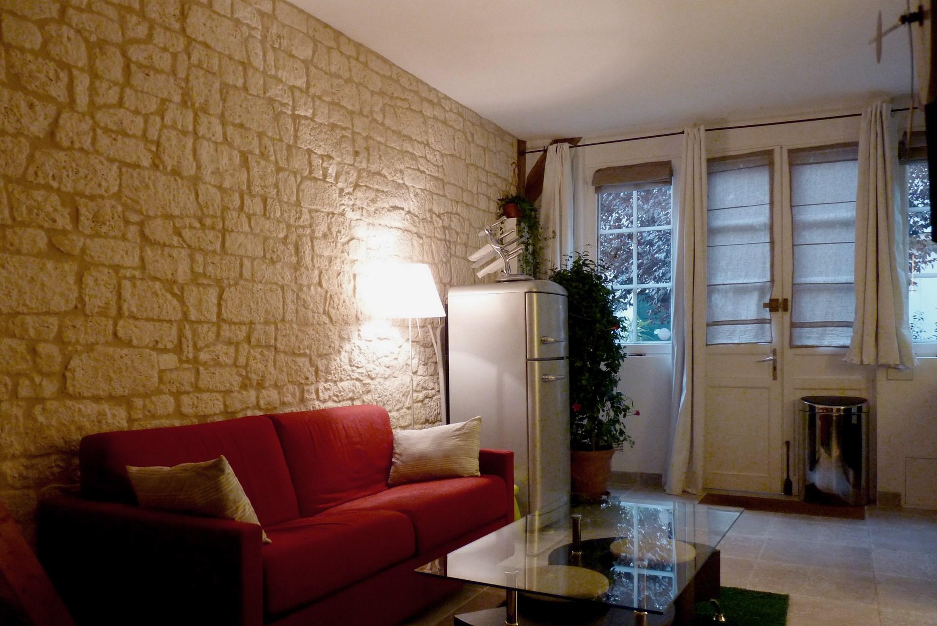 petits espaces studio ancien couvent pierre apparente agence avous