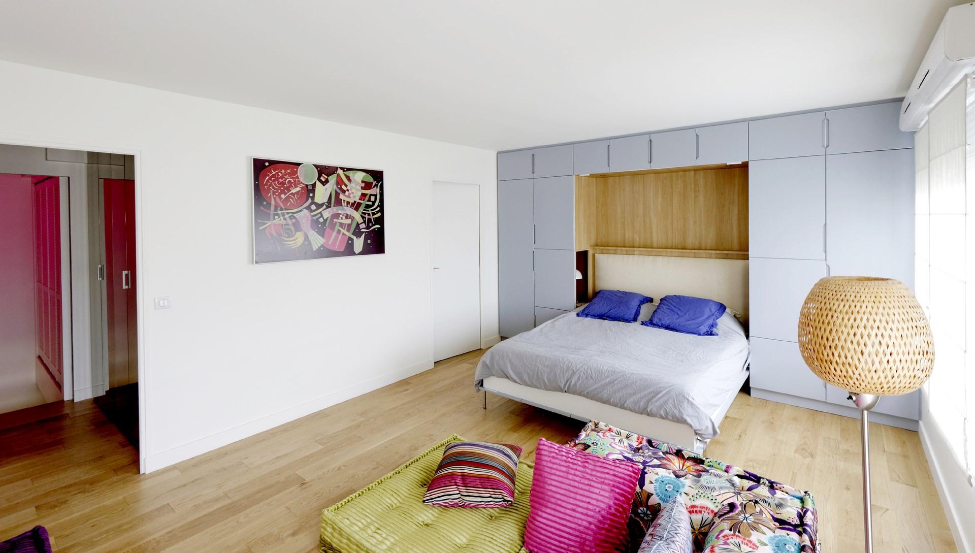 amenagement chambre prestige meuble sur mesure laque mat bois precieux radiateur tableau agence avous