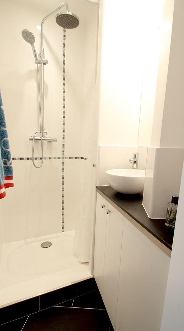salle de bain petite studio amenagement architecte paris agence avous