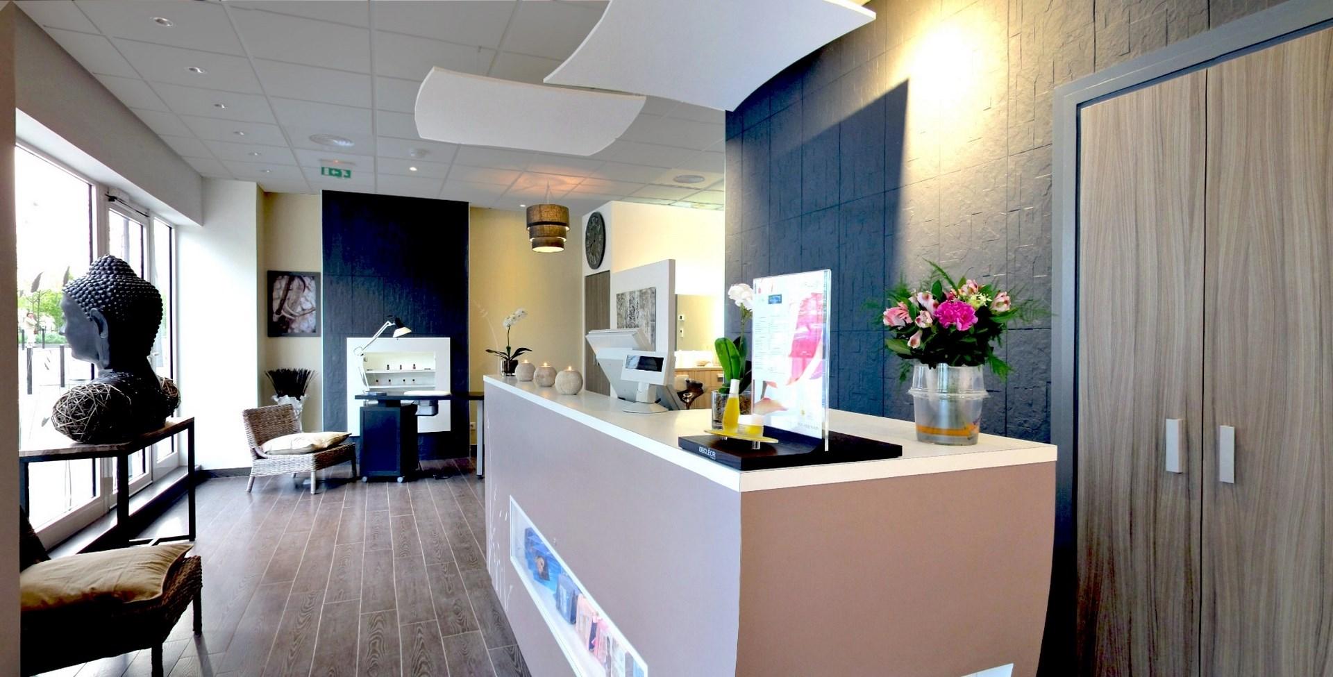concept institut de beaute borne d accueil chic luxe agence avous