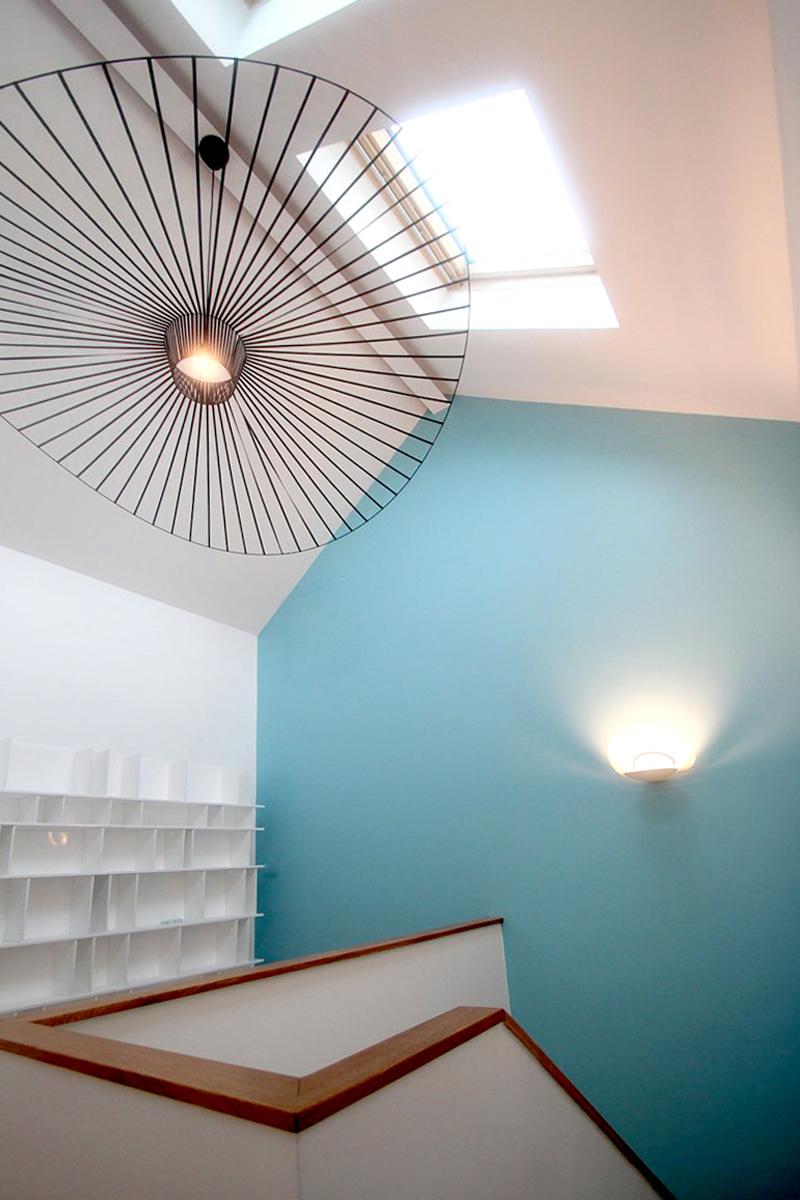 maison renovation luxe prestige comble bleu petite friture vertigo agence avous