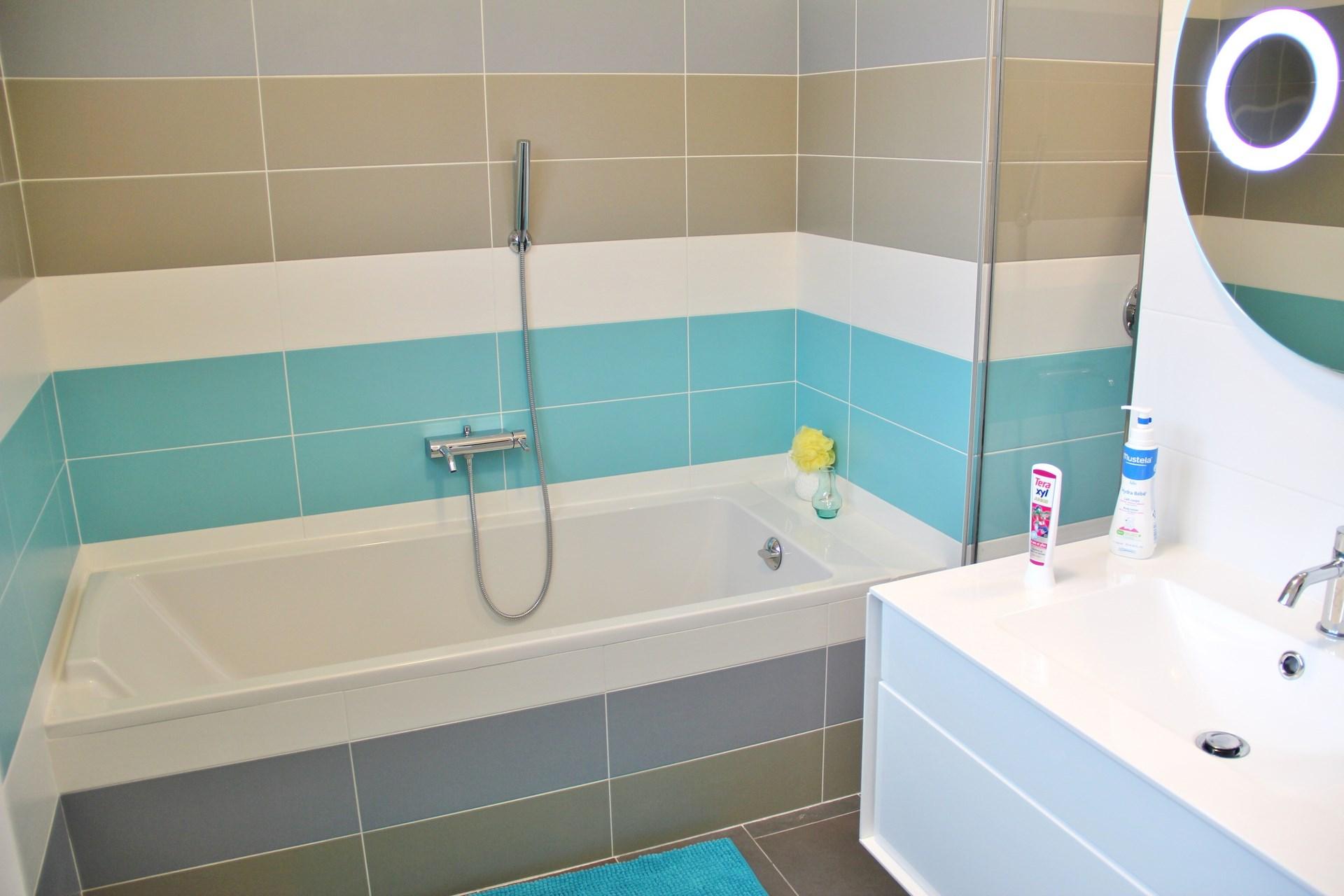 maison renovation luxe salle de bain enfant agence avous