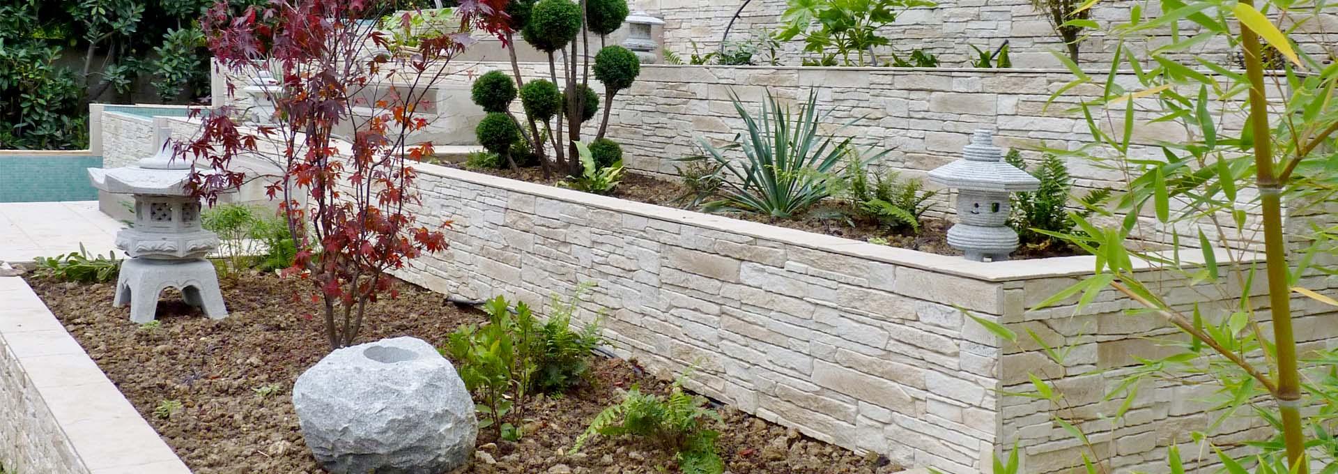 maison renovation luxe amenagement paysage jardin escalier parement pierre lanterne japonaise agence avous