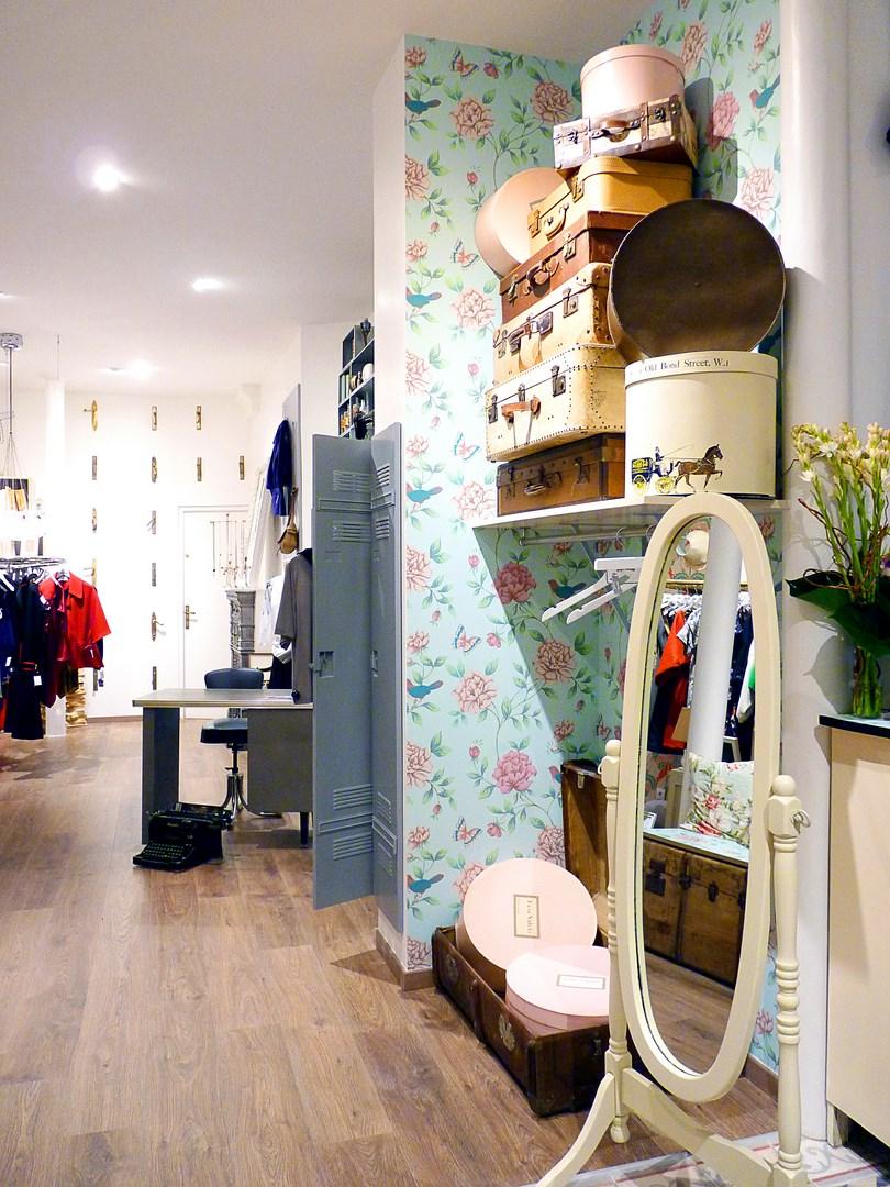 architecte concept boutique vintage parquet papier peint miroir agence avous