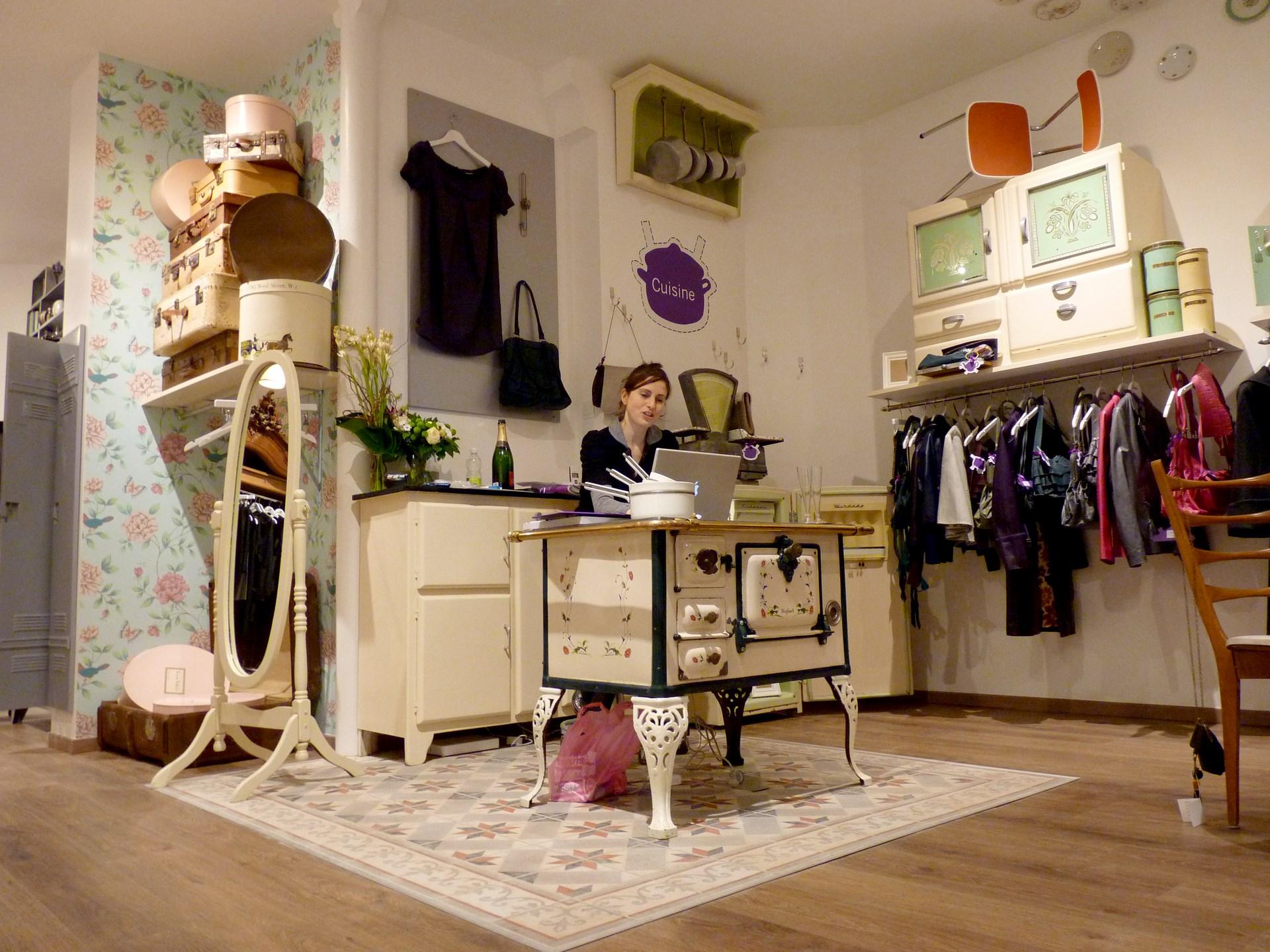 architecte concept boutique vintage vetement accueil paperdolls agence avous