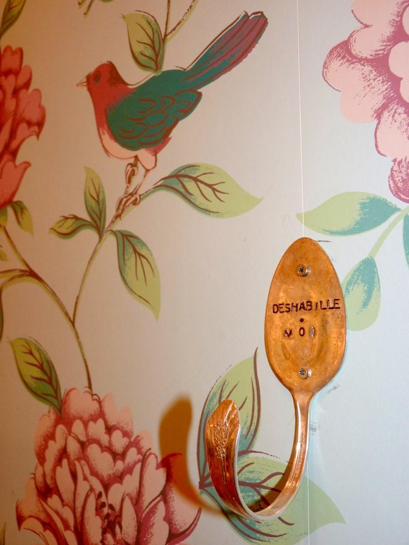 architecte concept boutique vintage vetement papier peint patere agence avous