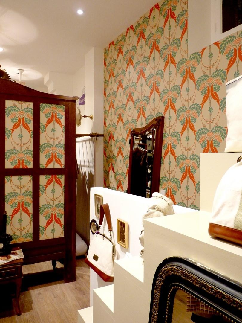 architecte concept boutique vintage vetement paris sac chaussure papier peint original agence avous