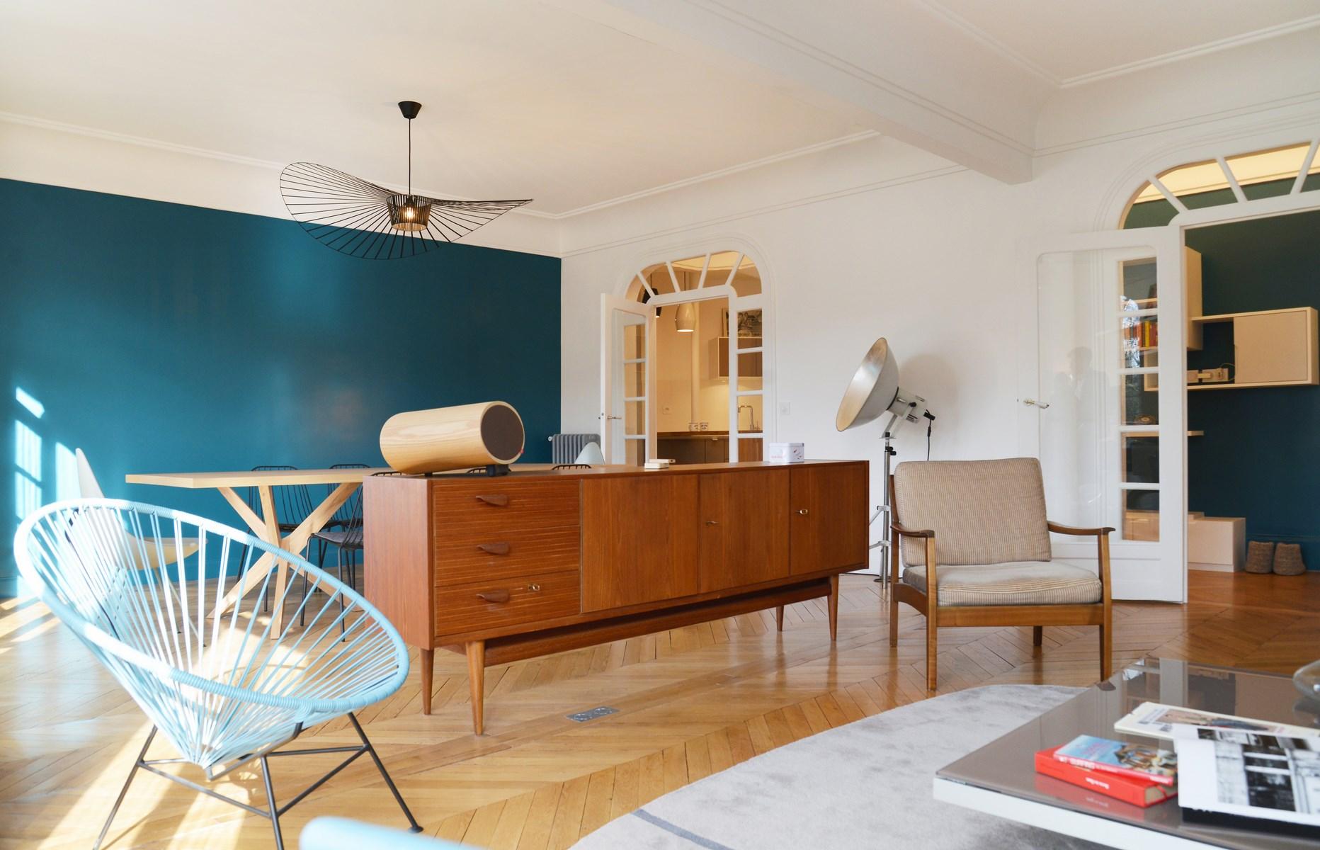 Cuisine Bleu Canard : Design nordique double séjour art déco