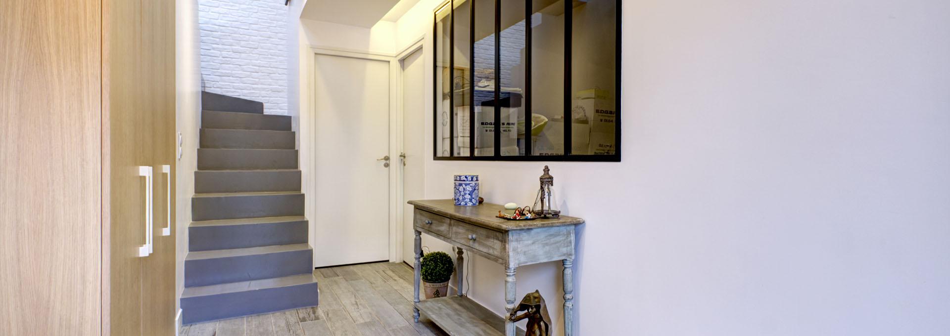 P_Agence_Avous_Rehabilitation_Hangar_Loft_Region_parisienne_escalier_beton